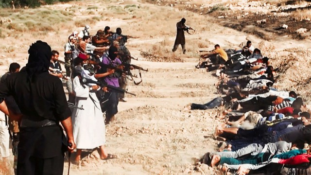 ISIS forces execute unarmed Iraqi prisoners in mid-2014. YouTube screencap