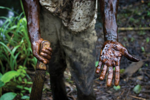 Oil-Worker in Nigeria