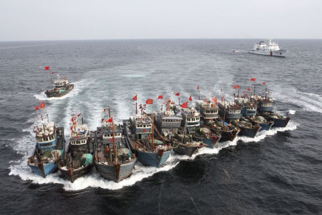 These Chinese boats were captured by the South Korean coast guard for alleged illegal fishing in South Korean waters in November 2011 (Photo: Dong-Ailbo).